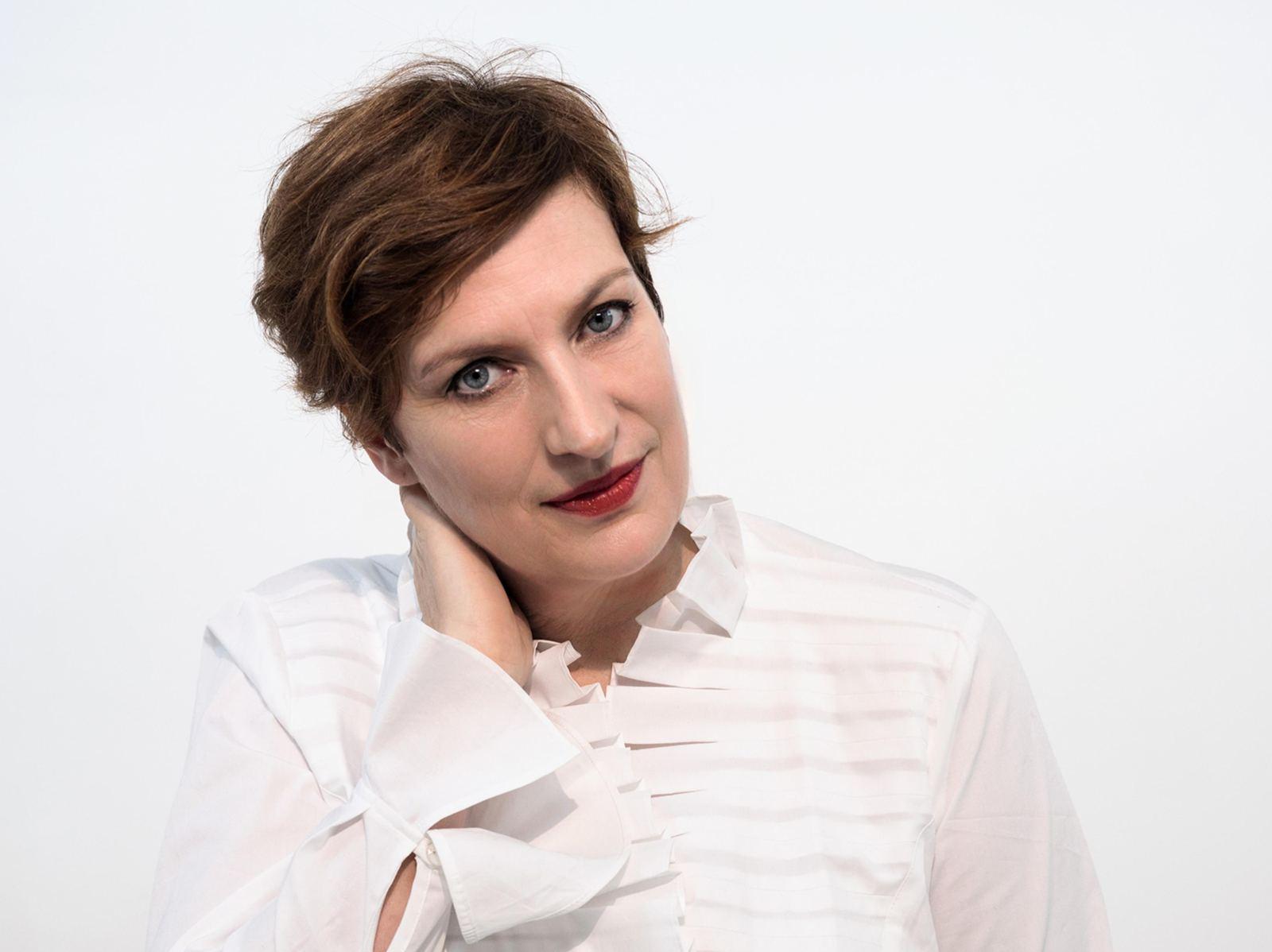 Dame Sarah Connolly (mezzo soprano)